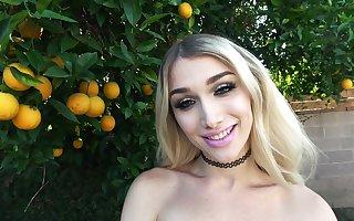 Superstar Luna Love on GroobyGirls